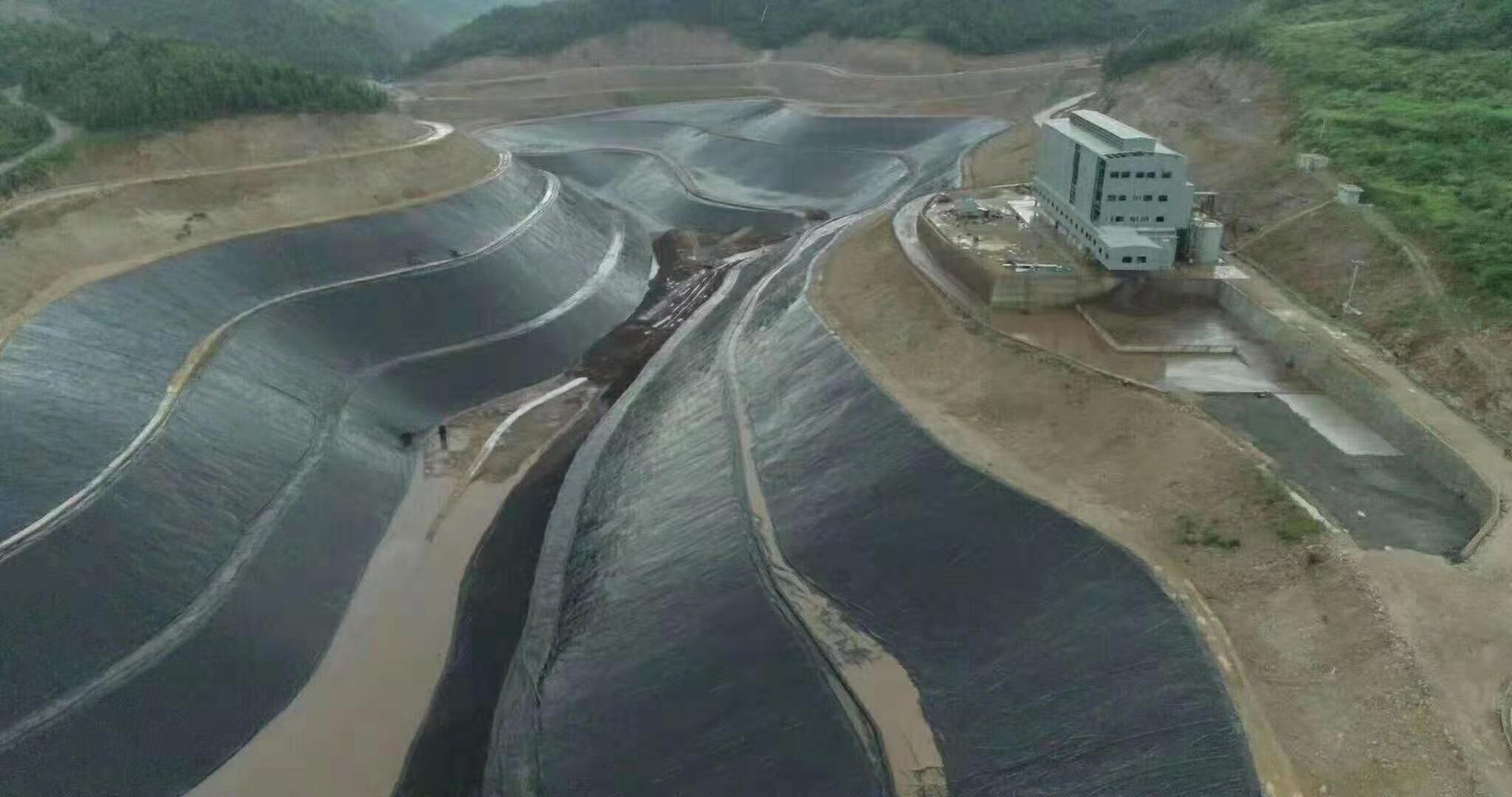 「土工膜」土工膜在垃圾填埋场封场的作用和优势